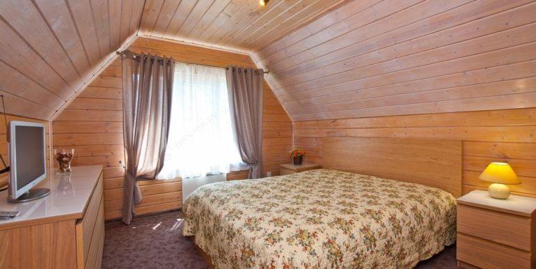 Коттедж - спальня